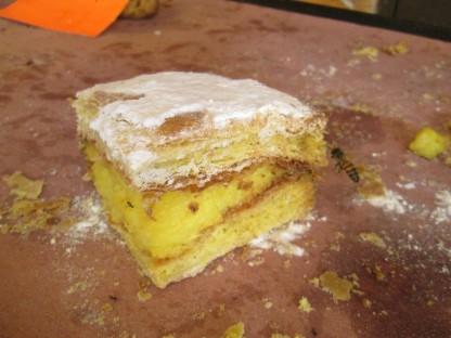 Pastel de crema (cream cake)
